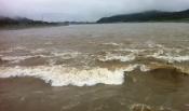 홍수 구경하세요.
